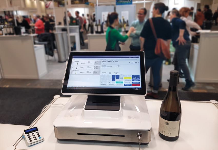 Elo PayPoint mit Weinflasche_WEINmesse berlin